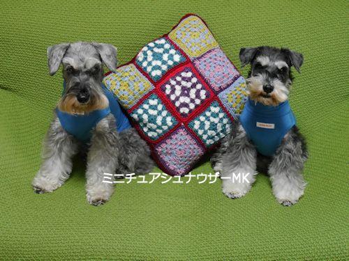 モチーフ編みクッション